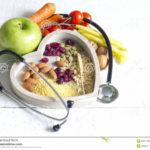 comida-sana-en-concepto-del-extracto-de-la-dieta-del-corazón-53101306